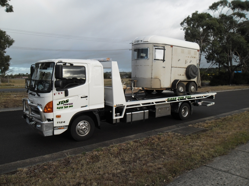 JDS Towing Services Towing Horse Floats